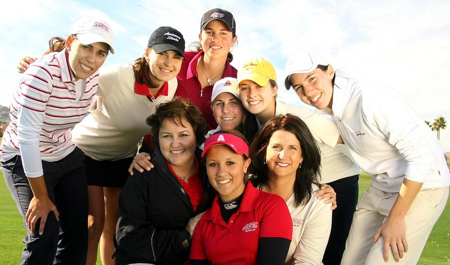 (Clockwise from top left) Liisa Kelo, Jaclyn Sweeney, Giulia Molinaro, Jennifer Johnson, Alessia Knight, Carlota Ciganda, head coach Melissa Luellen, Larissa Eruera, assistant coach Missy Farr-Kaye.