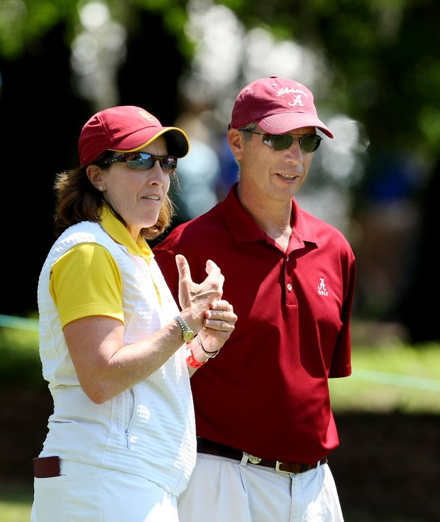 USC's Andrea Gaston and Alabama's Mic Potter during the third round at the first tee.
