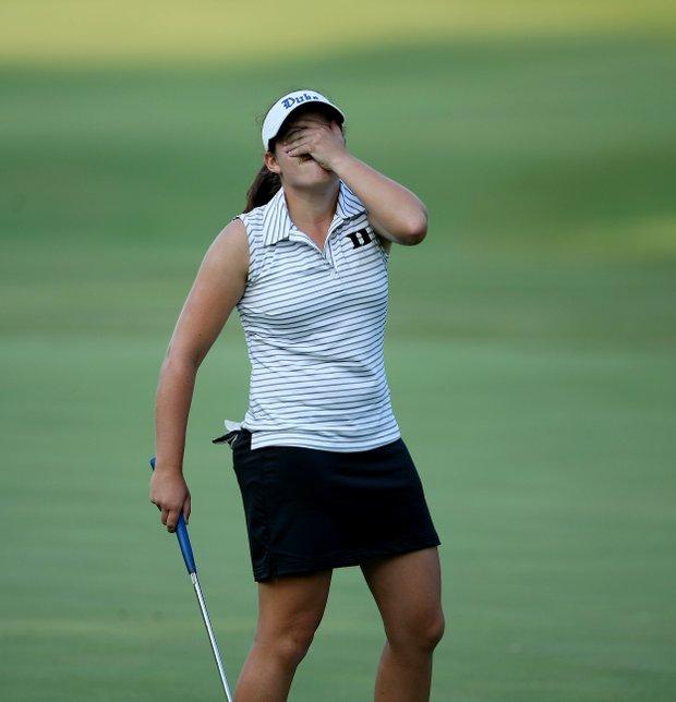 Duke's Courtney Ellenbogen reacts to missing her putt at No 9.