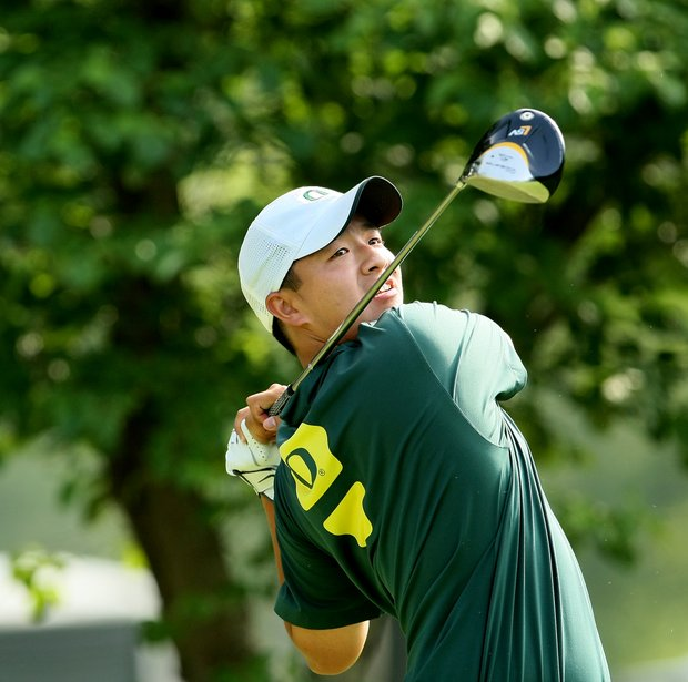 Oregon's Eugene Wong hits his tee shot at No. 10.