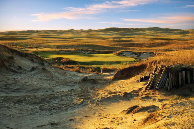 No. 7 at The Prairie Club's Dunes Course.