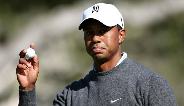 Tiger Woods struggled to a 3-over 74 in Round 1 of the U.S. Open.