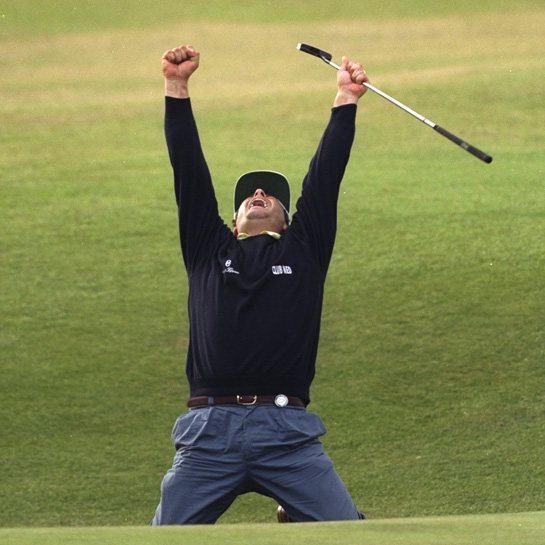 Costantino Rocca holes a birdie putt on the 18th hole in the final round of the 1995 British Open.