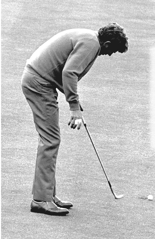 Doug Sanders missed a 2 1/2-foot putt in 1970.