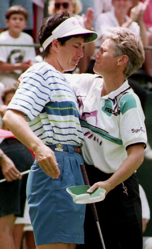 Juli Inkster is consoled by Patty Sheehan in 1992, the last time Oakmont hosted the Women's Open.