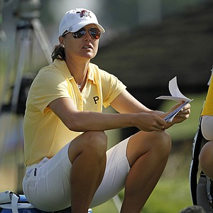 Sophie Gustafson consults her notes during Round 2 of the U.S. Women's Open.
