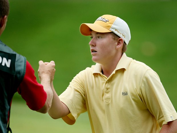 Robby Shelton reacts after making birdie on No. 17 during the Round of 32 at the U.S. Junior Amateur.