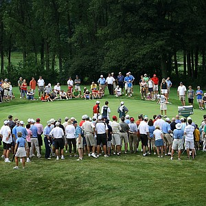 A large crowd gathers around at No. 14 to watch Justin Thomas and Jim Liu battle for the U.S. Junior Amateur title.
