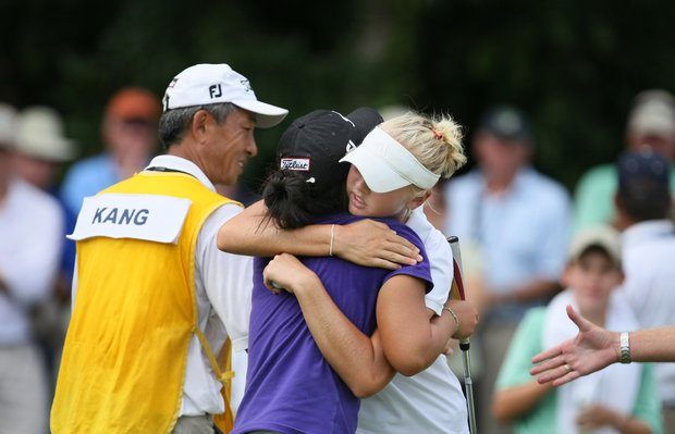 Jessica Korda congratulates Danielle Kang after Kang won 2 & 1 for the Women's Amateur title.