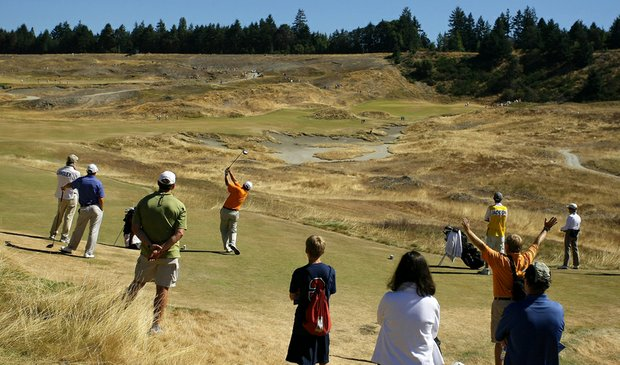 Players at No. 7 during the Round of 64 at the 110th U.S. Amateur Championship at Chambers Bay.
