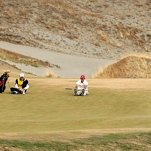 Scott Strohmeyer waits in the fairway at No. 14 during the Round of 16.