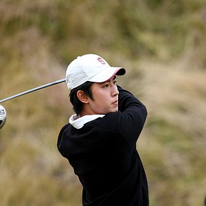 David Chung hits his tee shot at No. 7 during quarterfinals. Chung defeated Scott Langley 1 up.