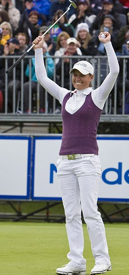Lee-Anne Pace takes her third title of the season at the 2010 Finnair Masters.