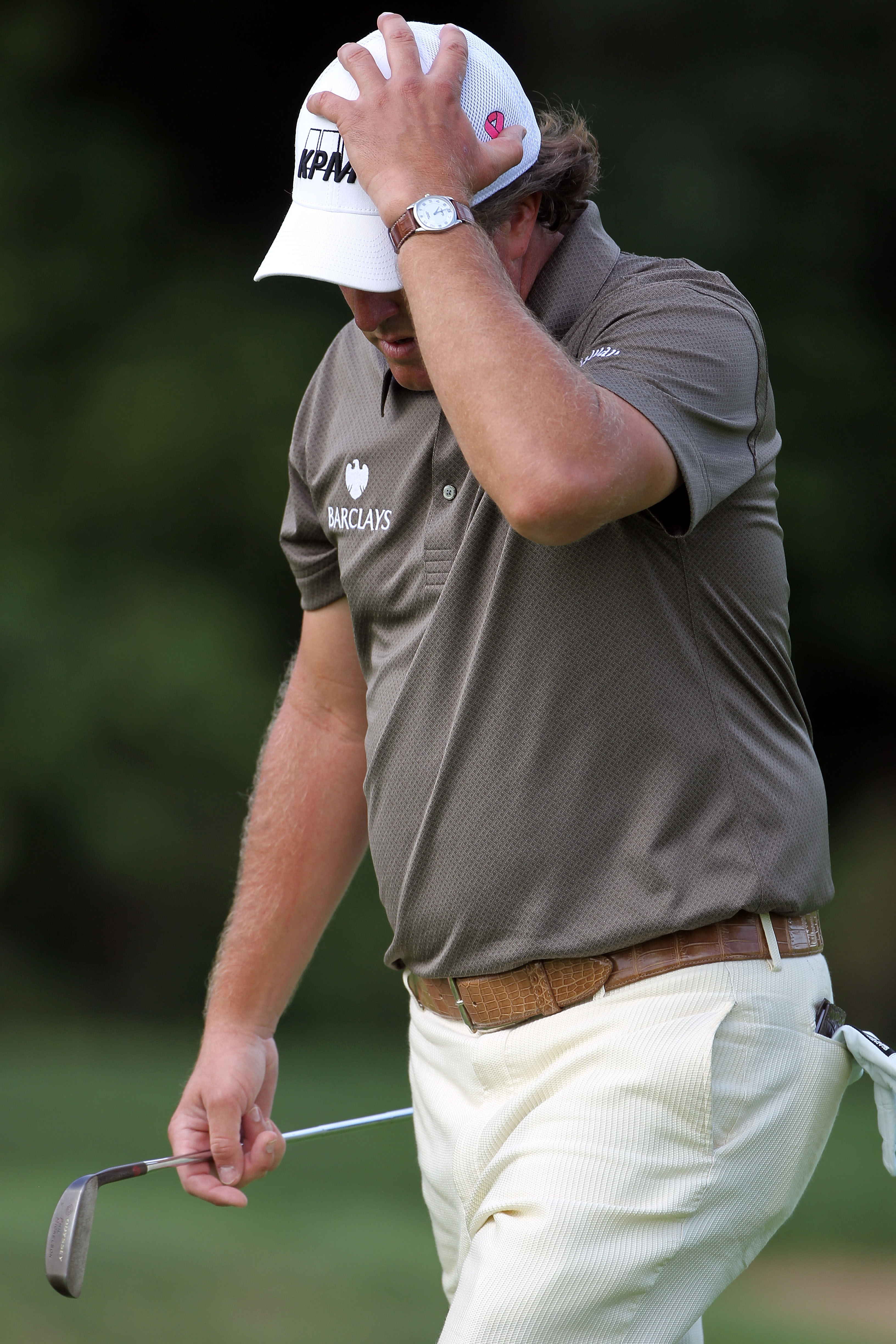 Phil Mickelson shot 72 in the first round at Cog Hill.