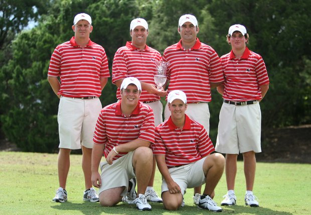 Huntingdon College pose as the runner up at the Golfweek Division III Fall Invitational at Southern Dunes.