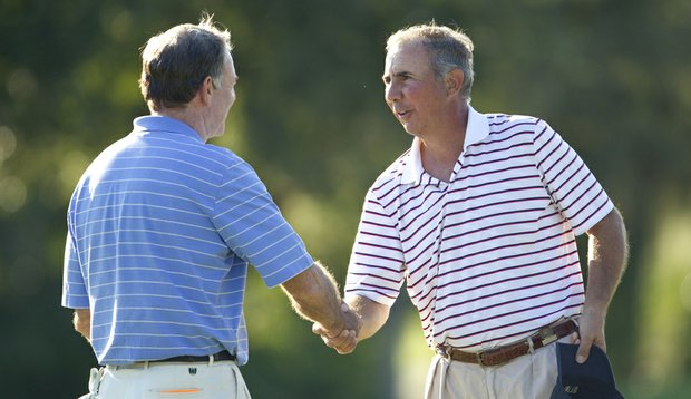 Steve Smyers (left) and Buddy Marucci shake hands at the conclusion of their match at the U.S. Senior Amateur.