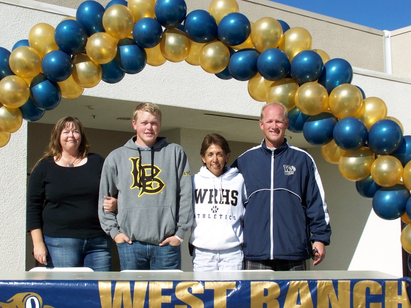 J.J. Holen signed with Long Beach St.