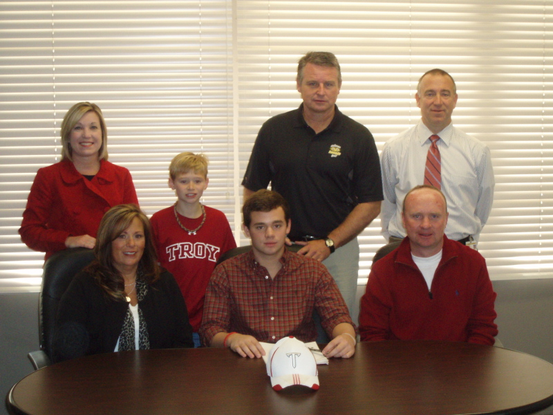 Jake Tucker has committed to Troy University.