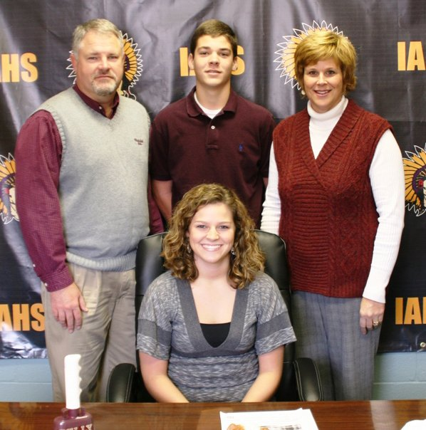 Ally McDonald signs with Mississippi State.