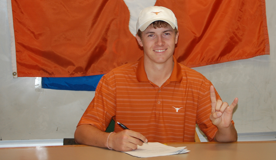 Jordan Spieth signs with Texas in 2010