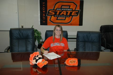 Courtney Ferguson signed with Oklahoma State.