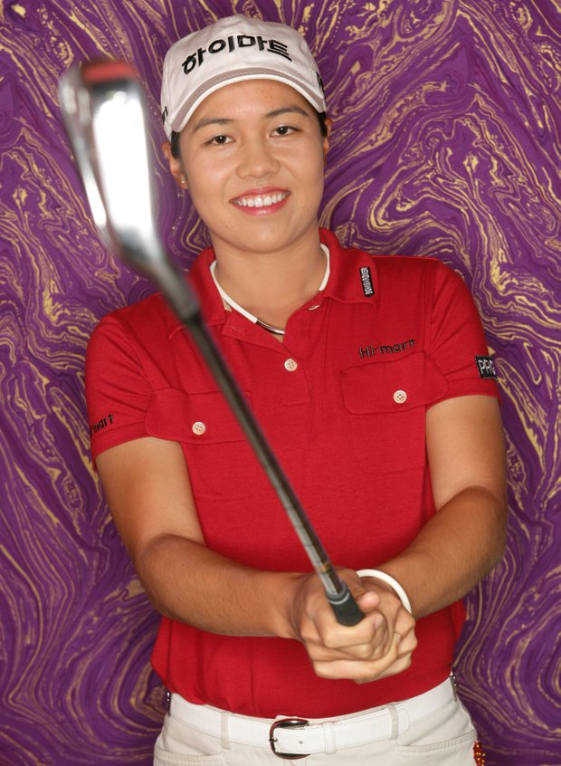 Aree Song poses for a portrait prior to the start of the 2006 Safeway International.