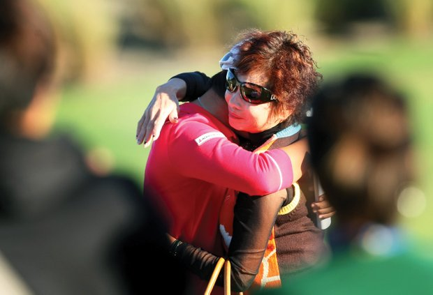 Yani Tseng hugs her mother after winning the Rolex Player of the Year award.