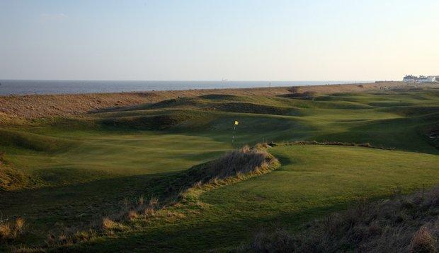 The par-5 third hole at Royal Cinque Ports Golf Club.