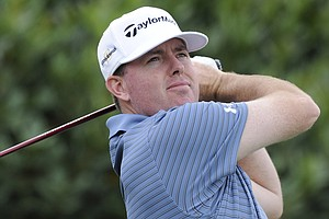 Robert Garrigus shot a second-round 63 at the Hyundai Tournament of Champions.