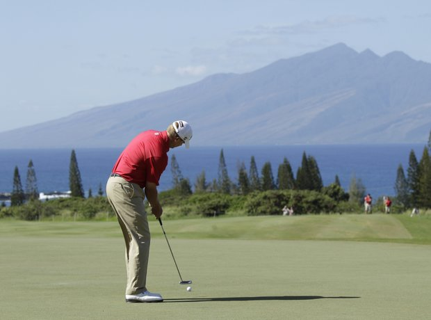 Steve Stricker putts at the third hold at Kapalua Resort.