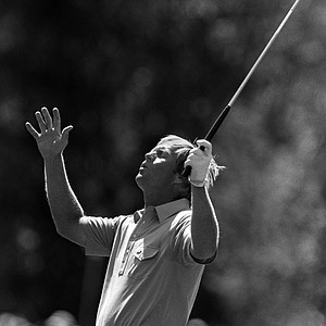 Jack Nicklaus looks to the sky after sinking a 50-foot putt on the first hole for birdie during the PGA Championship at Rochester, N.Y., Aug. 9, 1980.