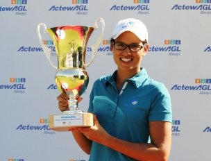 Ashley Ona, 19, won the Royal Canberra Ladies Classic.