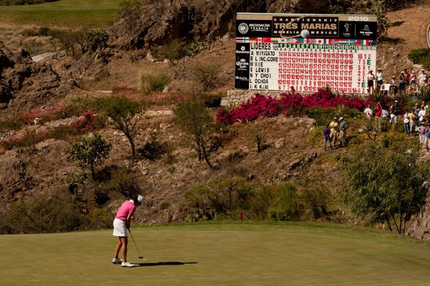 Lorena Ochoa putts out at the 2010 Tres Marias Championship.