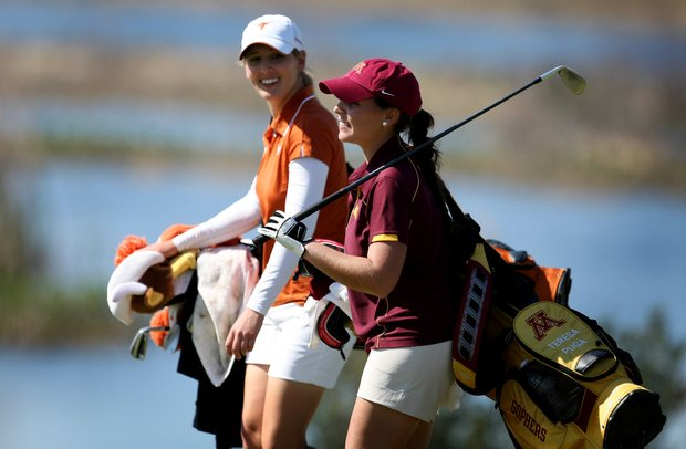 Minnesota's Teresa Puga and Haley Stephens of Texas during the final round. Stephens finished T6 while Puga was co-medalist.