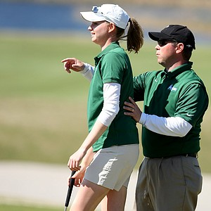 Tulane's Janine Fellows and Head Coach JT Horton during the final round at No. 14. Fellows placed T20, while the team finished second.