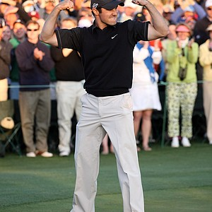 Trevor Immelman of South Africa celebrates winning the 2008 Masters Tournament at Augusta National Golf Club on April 13, 2008 in Augusta, Georgia.