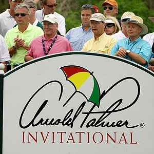 Orlando, Fla.--03/28/10--Spectators during the final round of the Arnold Palmer Invitational at Bay Hill Club and Lodge.