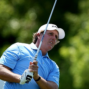 Phil Mickelson hits his tee shot at No. 7 during Round 1 of the Arnold Palmer Invitational at Bay Hill Club & Lodge.