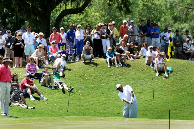 Jim Thorpe chips up at No.9 his final hole of the Outback Steakhouse Pro-Am.
