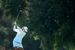 Florida's Isabelle Lendl hits her tee shot at No. 10.