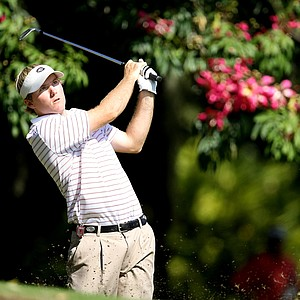 Russell Henley hits a shot at No. 9 during the 2009 Isleworth Collegiate Invitational at Isleworth Golf and Country Club.