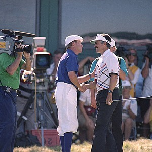 Payne Stewart left and Scott Simpson shake hands on Sunday, June 1991 after completing their final round of the U.S. Open tied at 6-under-par 282. Simpson bogeyed the last hole forcing a tie with Stewart and an 18-hole playoff on Monday.