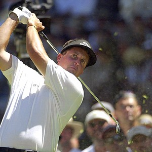 Phil Mickelson watches his tee shot on the sixth hole during the final round of the U.S. Open at Southern Hills Country Club in Tulsa, Okla., Sunday, June 17, 2001.
