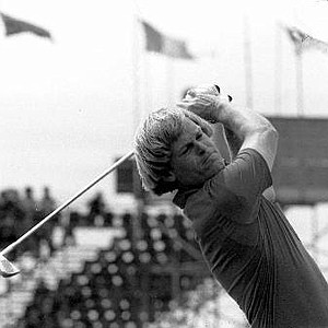 Johnny Miller drives from the first tee during the 1976 British Open.