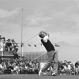 Jack Nicklaus drives off from the first tee during final practice round for the 114th British Open Golf Championship, July 17, 1985 at the Royal St. George's Golf Club.