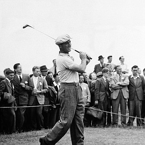 Robert DeVicenzo tees off during the 1950 British Open at Troon