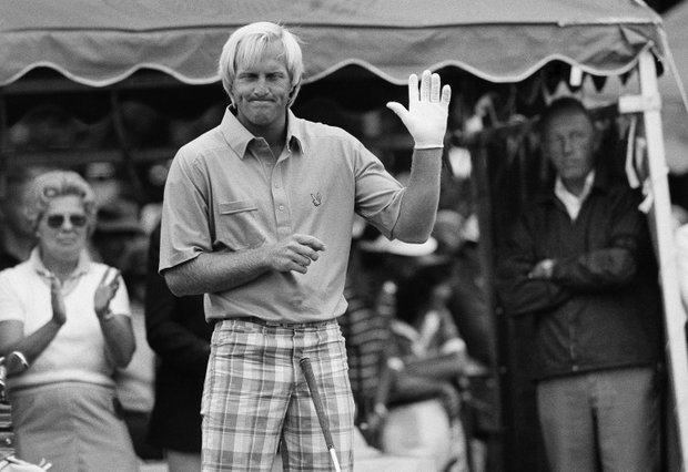 Greg Norman grins and waves to the crowd before teeing off on the first hole of the final round of the U.S. Open in Mamaroneck, N.Y. ON Sunday, June 17, 1984. Norman started the round in third place.