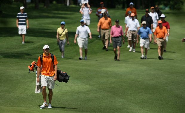 Fans follow Peter Uihlein during the opening round of the NCAA Championship.