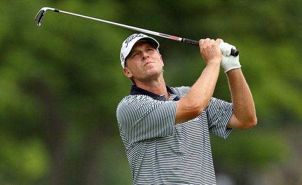 Steve Stricker hits his second shot on the par-4 10th hole during the final round of the Memorial Tournament.