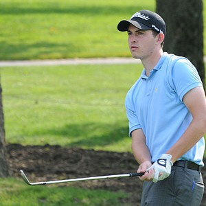 UCLA freshman Patrick Cantlay shot 65-70 to secure a berth in the U.S. Open.